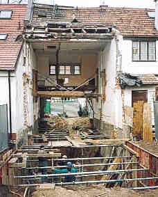 Podbijanie sąsiednich budynków